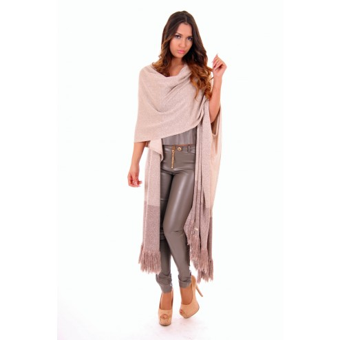 Josh V Kiara poncho in cream