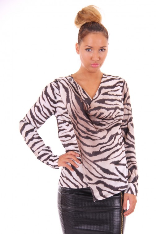Its Given Courtney blouse in zebra
