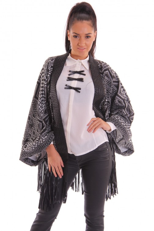 Relish Fonesse kimono with firinges