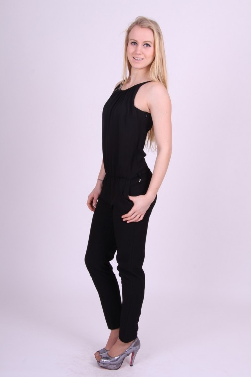 Fracomina jumpsuit in zwart.